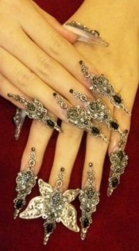 ugly manicures | Ugly, ugly, ugly . This bad taste rubbish ...