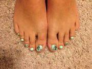 1000 toenails