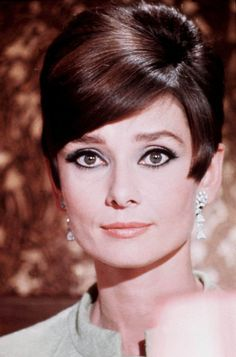 Audrey Hepburn♕♚ on Pinterest | 305 Images on audrey hepburn ...