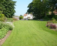 Large Garden Design Ideas The Exuberant Planting Of This Large