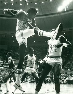 Keith Lee. the school's all-time leading rebounder. is the Tigers' only four-time All-America pick. | Memphis Tigers Basketball | Pinterest