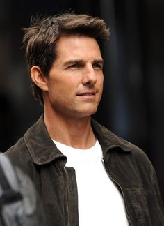 Posting Tom Cruise Tom Cruise Pinterest Posts Toms And Tom