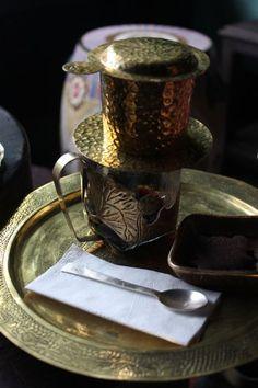 Coffee set Reaching