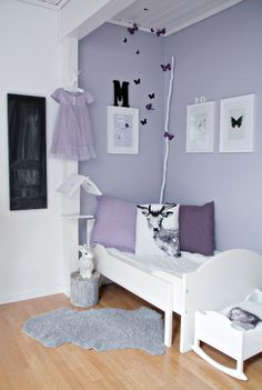 Deemed To Be A Soothing Color Lavender Is An Excellent For The Bedroom Keep It Light By Matching With Shade Of Creamy White