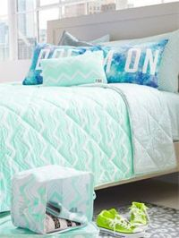 I LOVE this VS Pink Dorm bedding. It reminds me of the ...