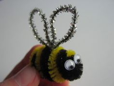bumble bee, pipe cleaner
