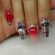 1000 tony ly nails