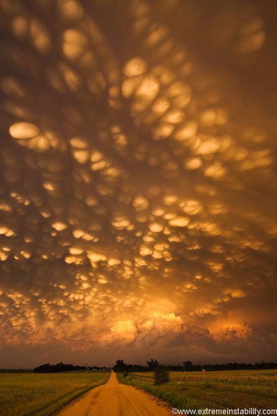 Mammatus clouds, Nebraska