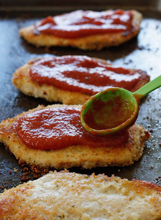 Baked Chicken Parmesan | Skinnytaste I absolutely love her recipes!