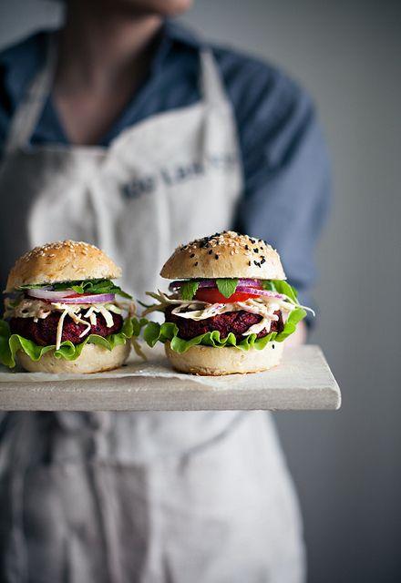 Veggie burgers with coleslaw