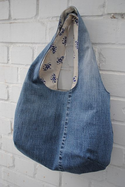 upcycled jeans tote. tutorial here: verypurpleperson…. snipsnaphappy.blo…