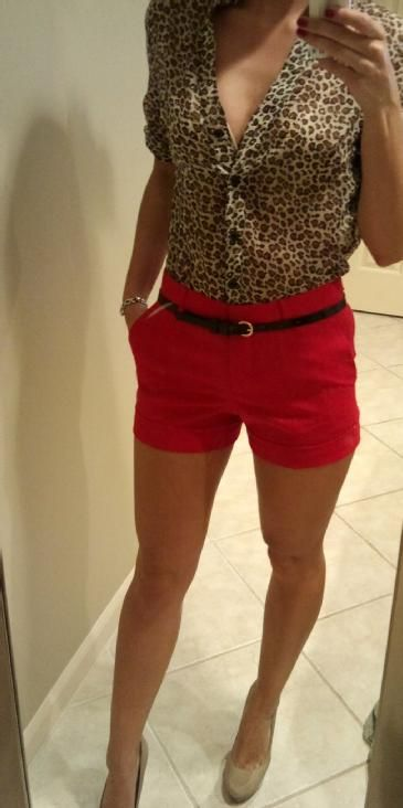 so cute! love the high waisted red shorts
