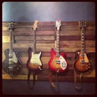 Pallet wood guitar wall pallet wall Guitar wall | Guitar ...