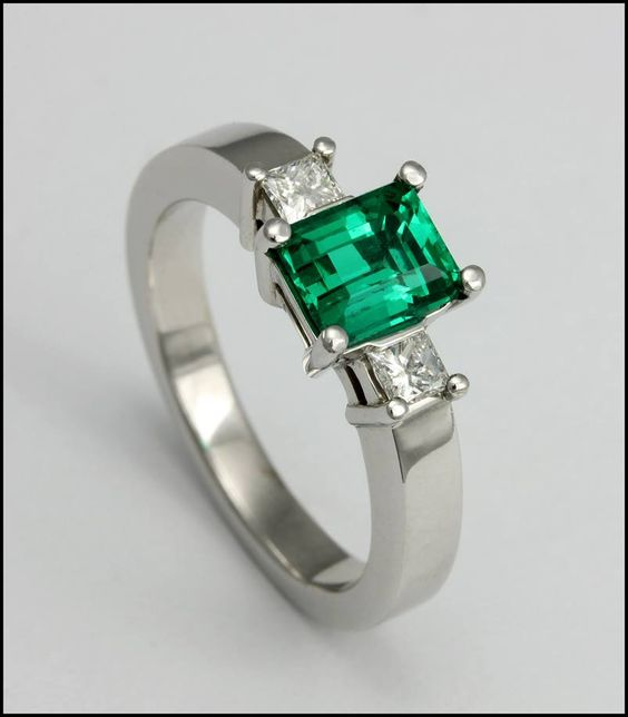 1da43ae13d15 Ref 3s Anillo De Esmeralda Adornada Con Diamantes