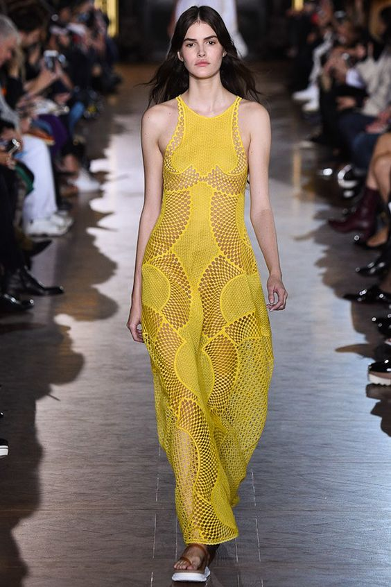 Stella McCartney Spring 2016 Ready-to-Wear Fashion Show:
