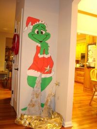 Grinch Christmas Door Decorating Contest > Holiday