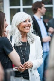 love bright gray hair with white