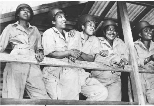 0da9e0cdfe8839be50f3904bfb8fd458 20 Patriotic Pictures of Black Women in the Military