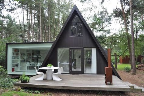http://www.decoist.com/2011-11-10/black-cladded-vb4-extension-creating-a-new-sun-filled-dream-home/: