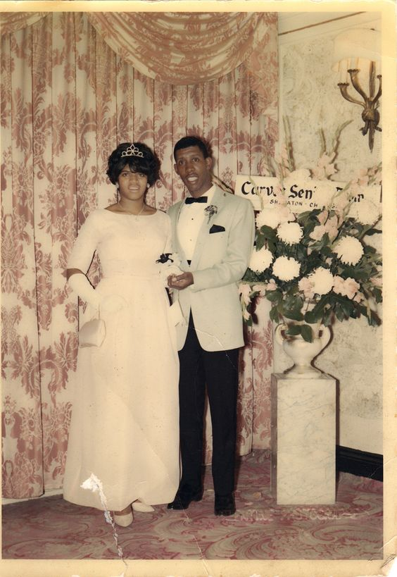 0f3f1540fad672a10947618dd3f596fa 15 Vintage African American Prom Dress Pictures