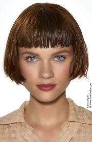 retro bob hair makeup