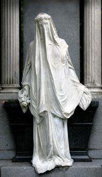 Veiled Woman Statue, Zentralfriedhof (Central Cemetery ...