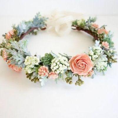 Bridal hair detail /