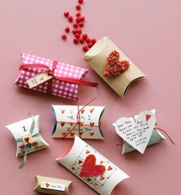 Resultado de imagen para manualidades para san valentin con rollos de papel