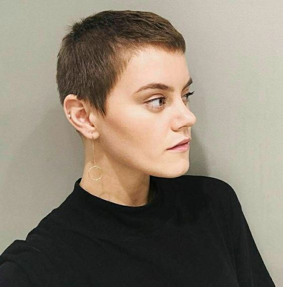 Taya Smith S New Boy Look Haircut Celebrating The Androgynous Coercion Code Quot Dark Times