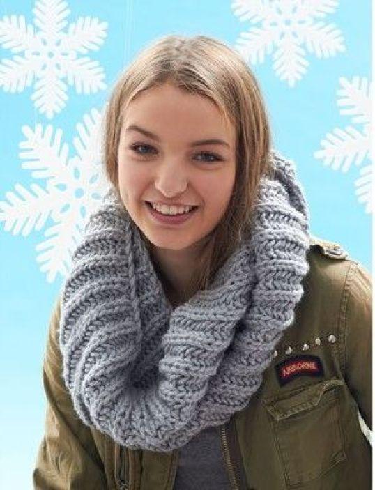 Granddaughter Easy Knit Cowl | AllFreeKnitting.com: