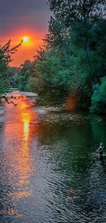 The beautiful Boise River in Idaho, USA: