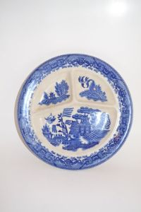 Blue Willow divided plate kitchen decor by ...
