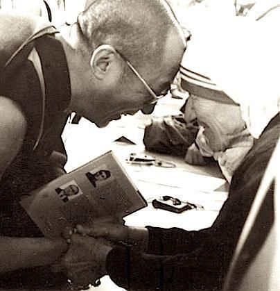 """Inspiring people: Dali Lama and Mother Theresa- Beautiful Souls... """"Do small things with great love."""" MT """"My religion is kindness."""" DL:"""
