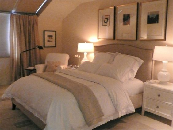 peaceful master bedroom Peaceful Guest Room- definitely what I would do if we redid ours! Hopefully our rooms on the
