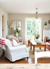 Pretty living room decorated in cottage style | Living ...