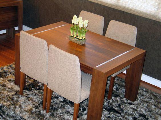 mesa de comedor moderna extensible en nogal con detalle
