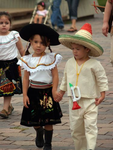 Cute Stylish Child Girl Wallpaper Traditional Costumes Of Mexico National Costumes