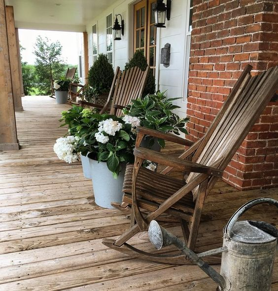 401bce6463427963f780cafea4a21403 5 Stylish Elements for Southern Front Porch