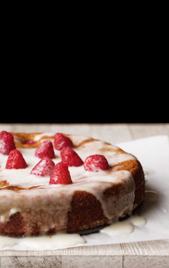 The Ultimate Pinterest Party, Week 126 | raspberry and orange almond cake, almond cake, gluten free almond cake, gluten free desserts, desserts, clean eating, healthy desserts, recipes, gluten free recipes, dairy free recipes, orange almond cake, flourless cake, refined sugar free, sweets, cake, berry, birthday cake:
