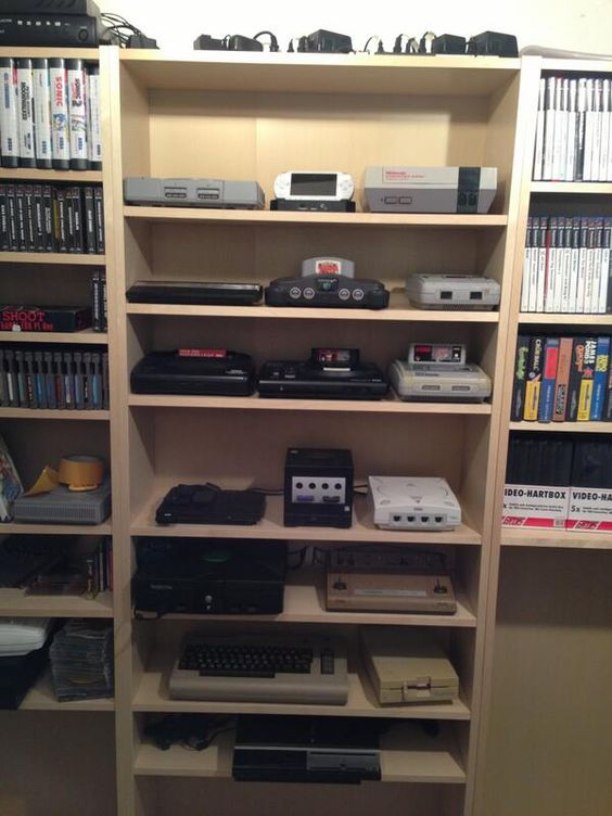 Collection displays Consoles and Display on Pinterest