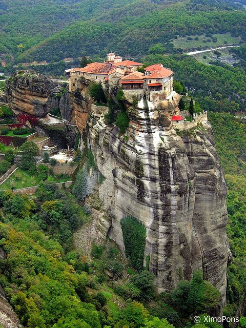 Meteora may be one of my favorite spots in Greece. They used to pull the monks up in baskets. Do you know how they knew when to change the rope? When it broke silly! Glad I wasn't that monk.: