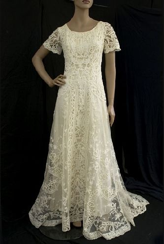 peasant style wedding gowns  CityWedding Venues  Pinterest  Fruit flowers Wedding dresses