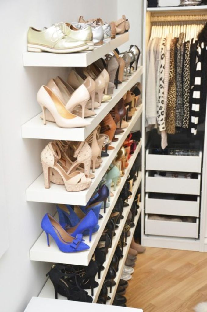 Love the shoe shelf! For my sisters they have lots of shoes !: