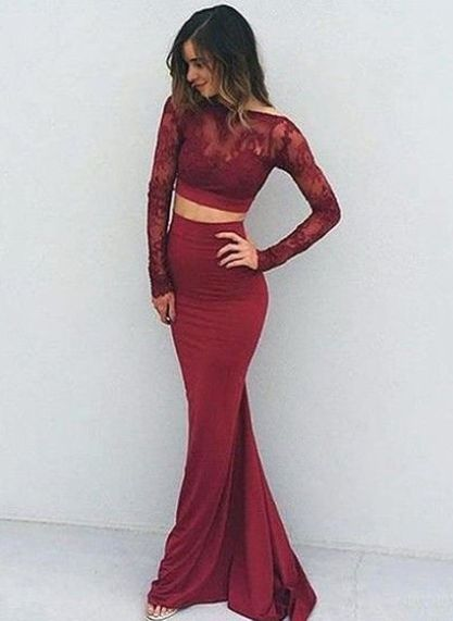 Deep red is a perfect color for mermaid prom dresses!