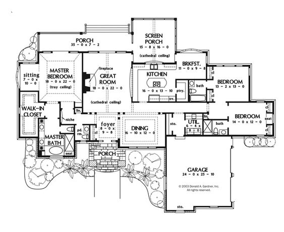 A perfect one story house plan. Huge master bedroom with