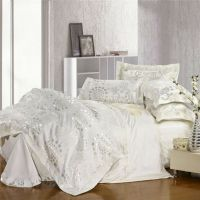 White jacquard bedding set, silver and gold