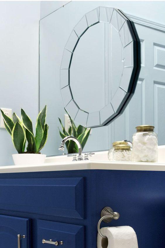 A Blogger Vs Builder Grade Bathroom Makeover  Layering