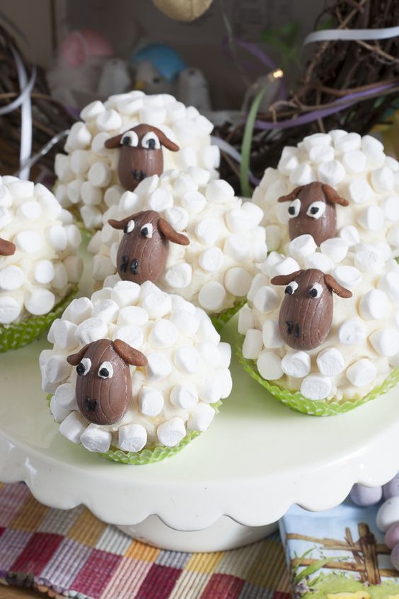 Flock Cakes, Stunning Sheep Inspired Cup Cakes: