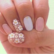 1000 ideas daisy nail art