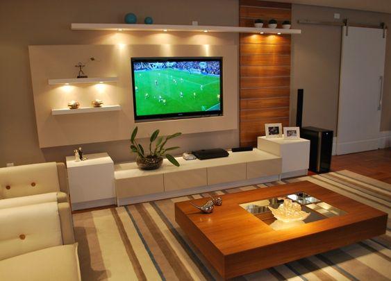Sala de TV# O aconchego da madeira aliado ao eterno branco..: